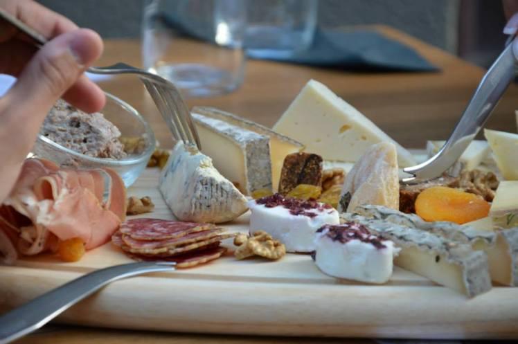 lauralife-epicerie_grand_cru_cheese_bistro10